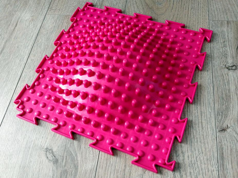 Красный массажный коврик